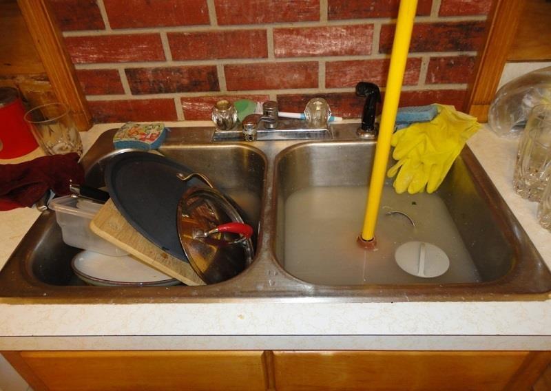 Cách thông tắc chậu rửa bát đơn giản mà hiệu quả